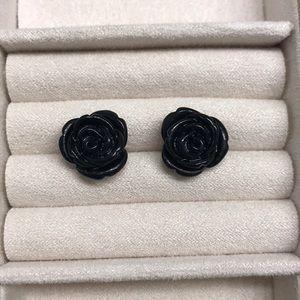 Jewelry - Black floral earrings